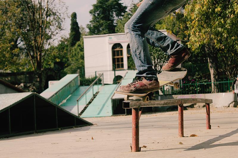 DIY-Skateboard-Guardrail