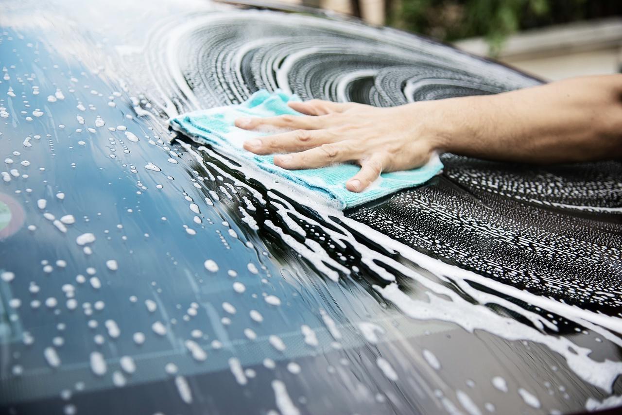 Washing a car's windshield