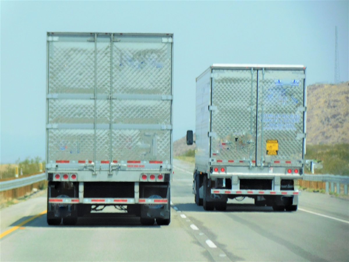 3 Negative Effects of Truck Overloading