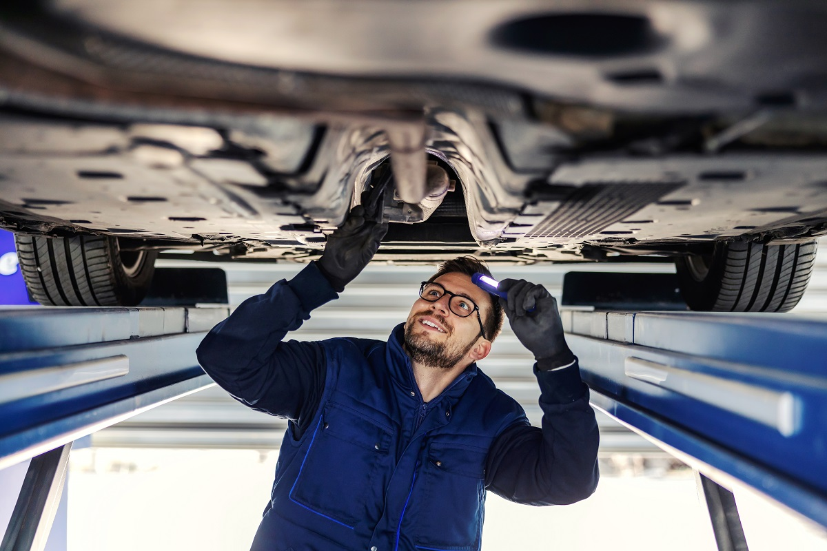 7 Symptoms of A Bad Catalytic Converter 2